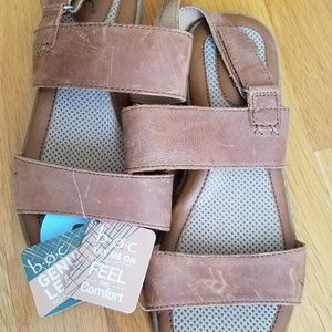 NWT B.O.C. Genuine leather sandals women's size 8